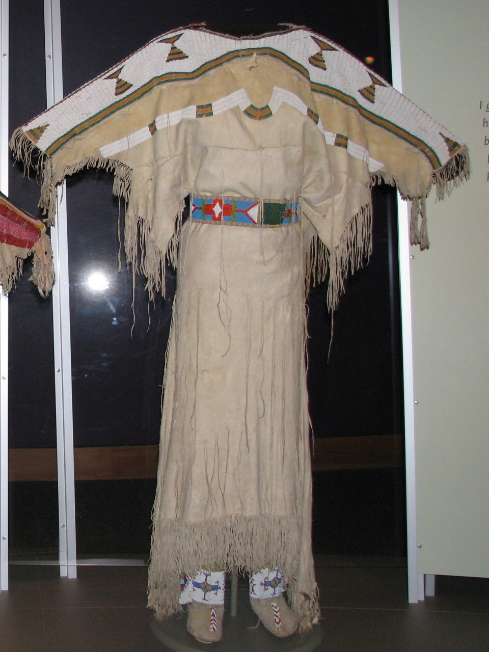 Shoshone Women's Clothing http://stitchinguphistory.blogspot.com/2011/07/details-and-tribal-variations-of-two.html