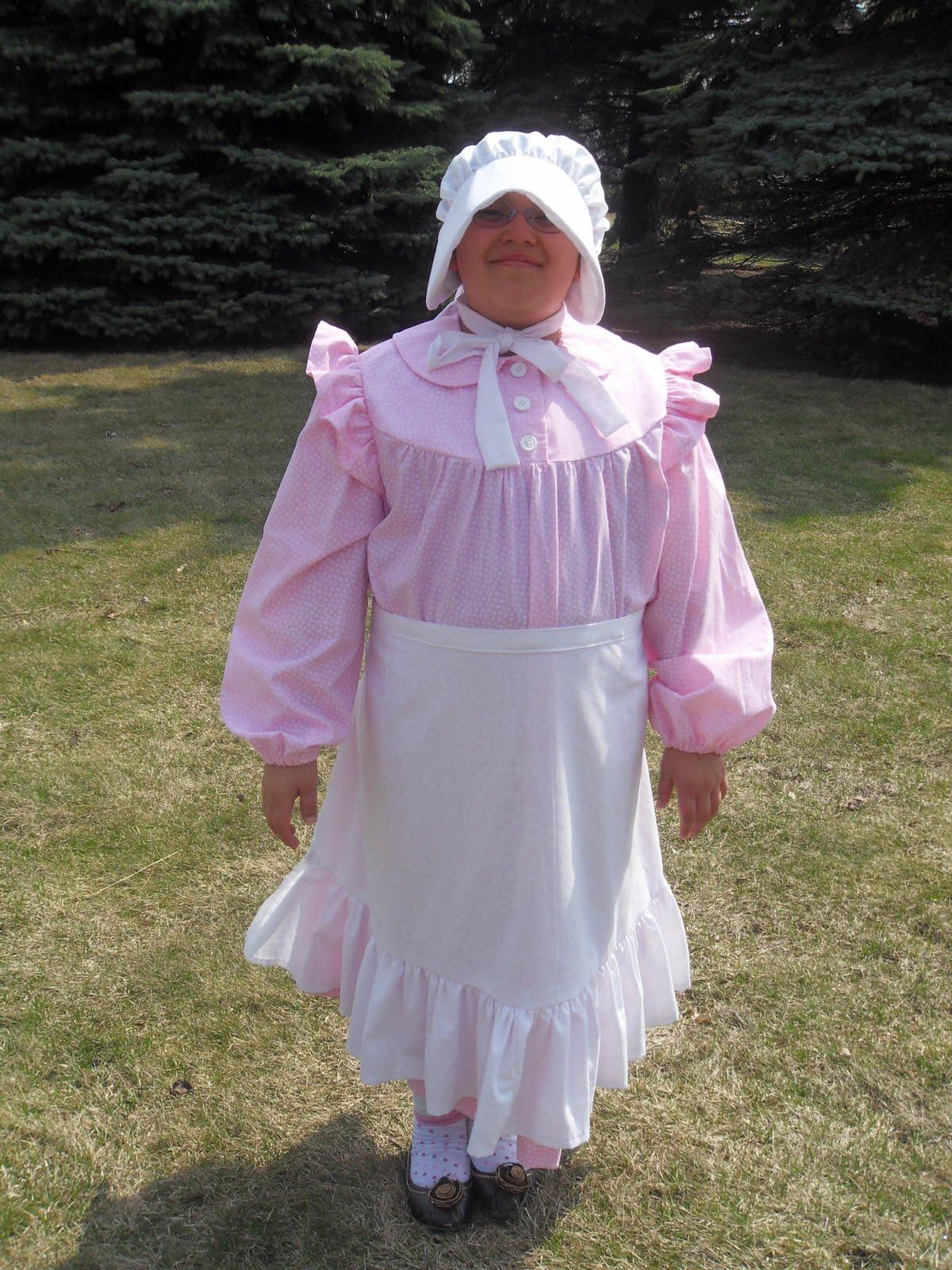 Little House On The Prairie Dress A And Bonnet