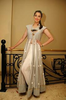 Actress Raai Laxmi Pictures at Oru Ticket Rendu Padam Press Meet  0039.jpg