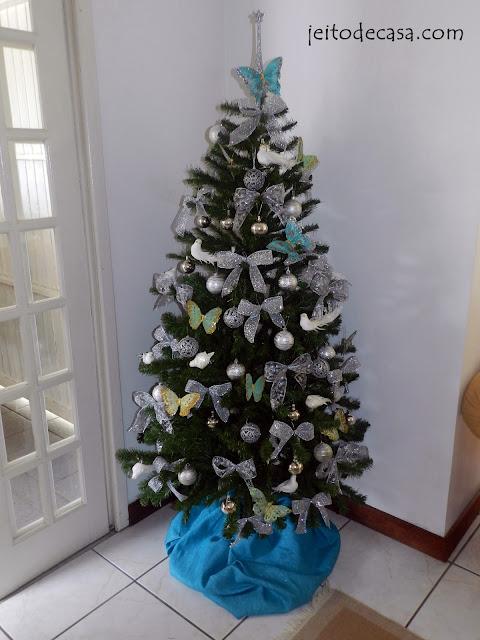 decoracao de arvore de natal azul e prata:Decoração de natal aqui em casa – Jeito de Casa – Blog de