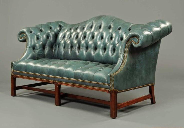 Lonny Camelback Living Room Furniture