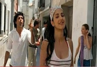 World Hot Actress: Zindagi Na Milegi Dobara Wallpapers, Release Date, Cast & Crew . from hot-actressinworld.blogspot.com