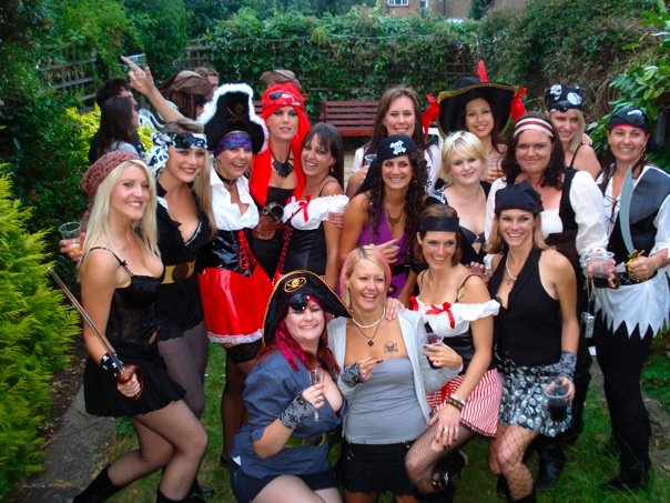 pirates partying