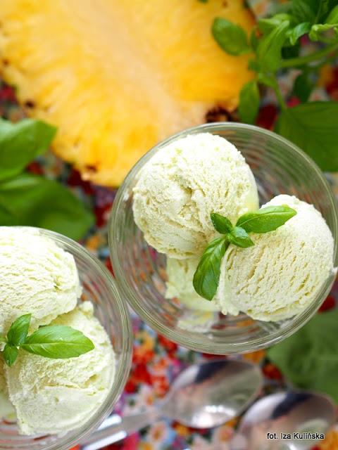 deser mrożony , ice cream , z ananasem i bazylią, lody jogurtowe , home made