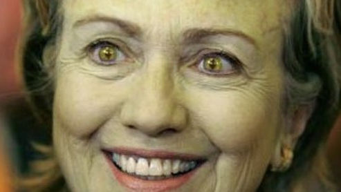 Hillary Clinton change la forme de ses yeux en direct