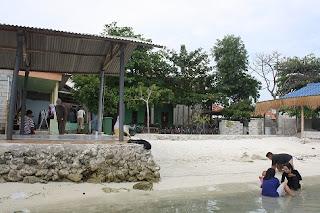Penginapan pulau tidung tepi  puantai