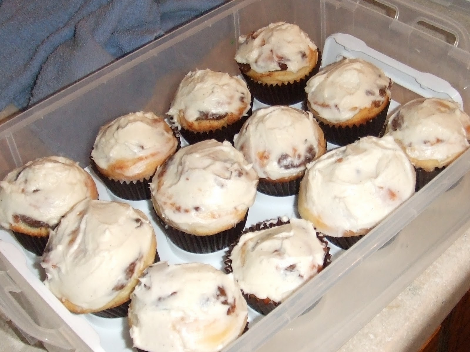 The Sweet Stuff: Roasted Banana Cinnamon Roll Cupcakes