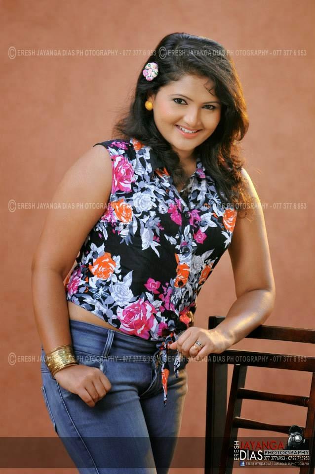 Ameesha Kavindi hot