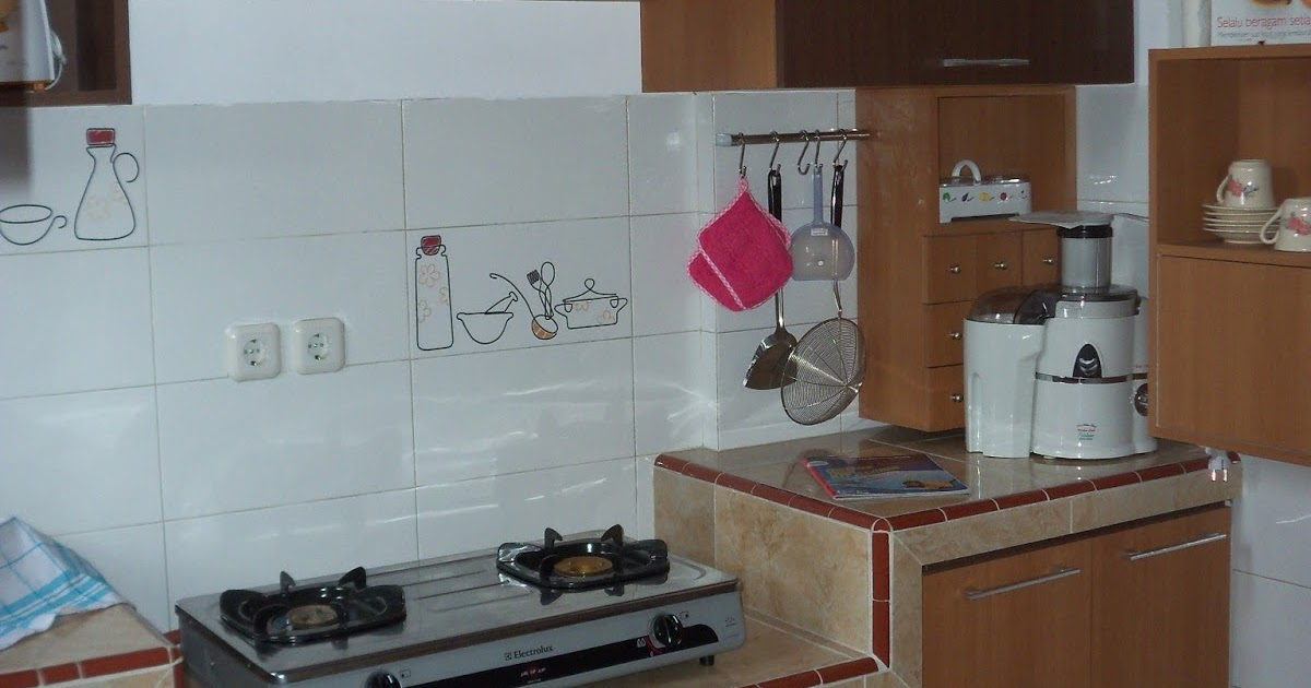 Ciptakan nyaman di dapur dengan kitchen set yang kompak for Kitchen set yang baik