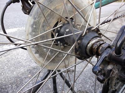 eje de rueda roto