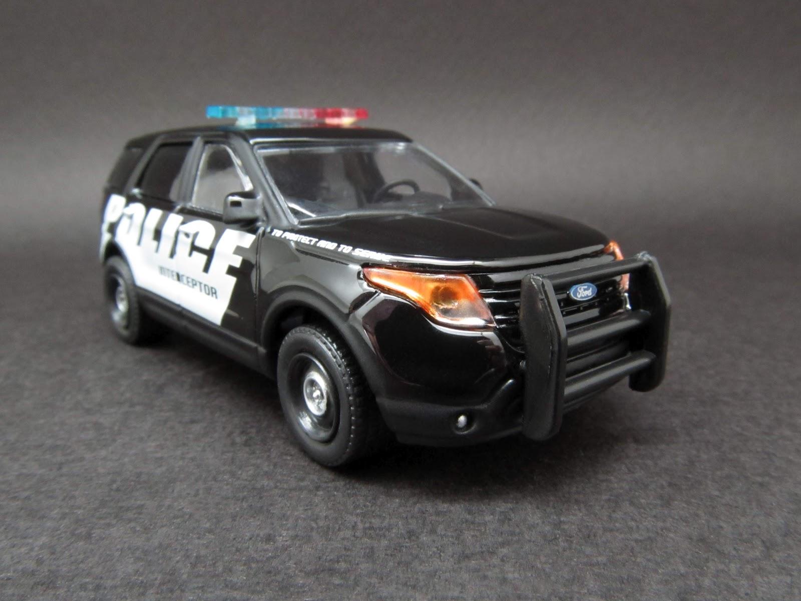 Diecast Hobbist 2013 Ford Explorer Ford Police