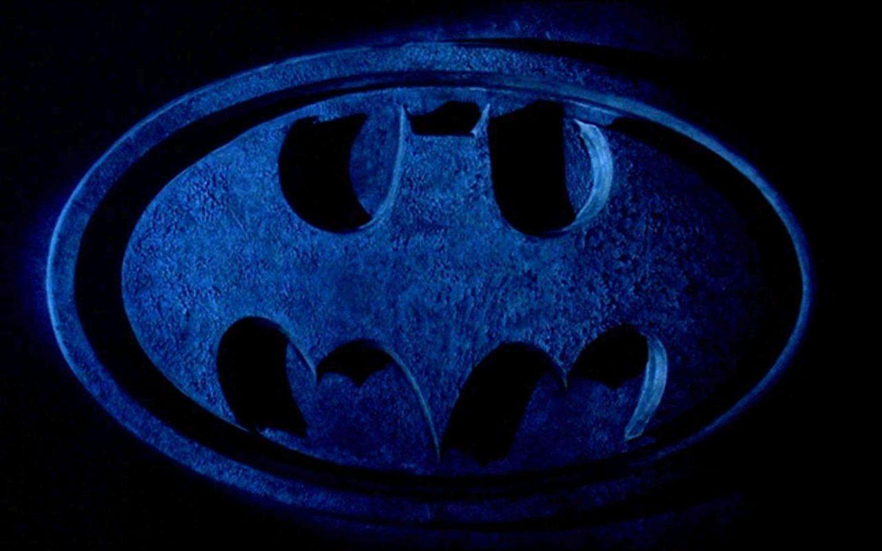 http://2.bp.blogspot.com/-7WXnEJMs4w0/TWOjSo_QCrI/AAAAAAAAKRA/Q3CHXDzBqWg/s1600/batman_logo34.jpg