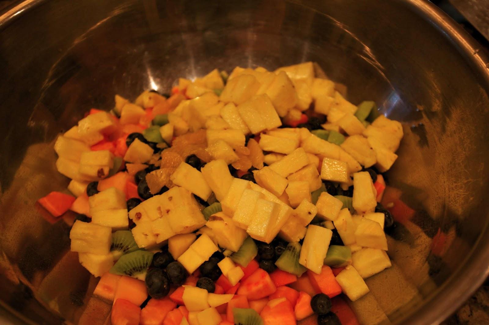 Octoberfarm: Fresh Fruit Salad with Honey Lime Mint Dressing