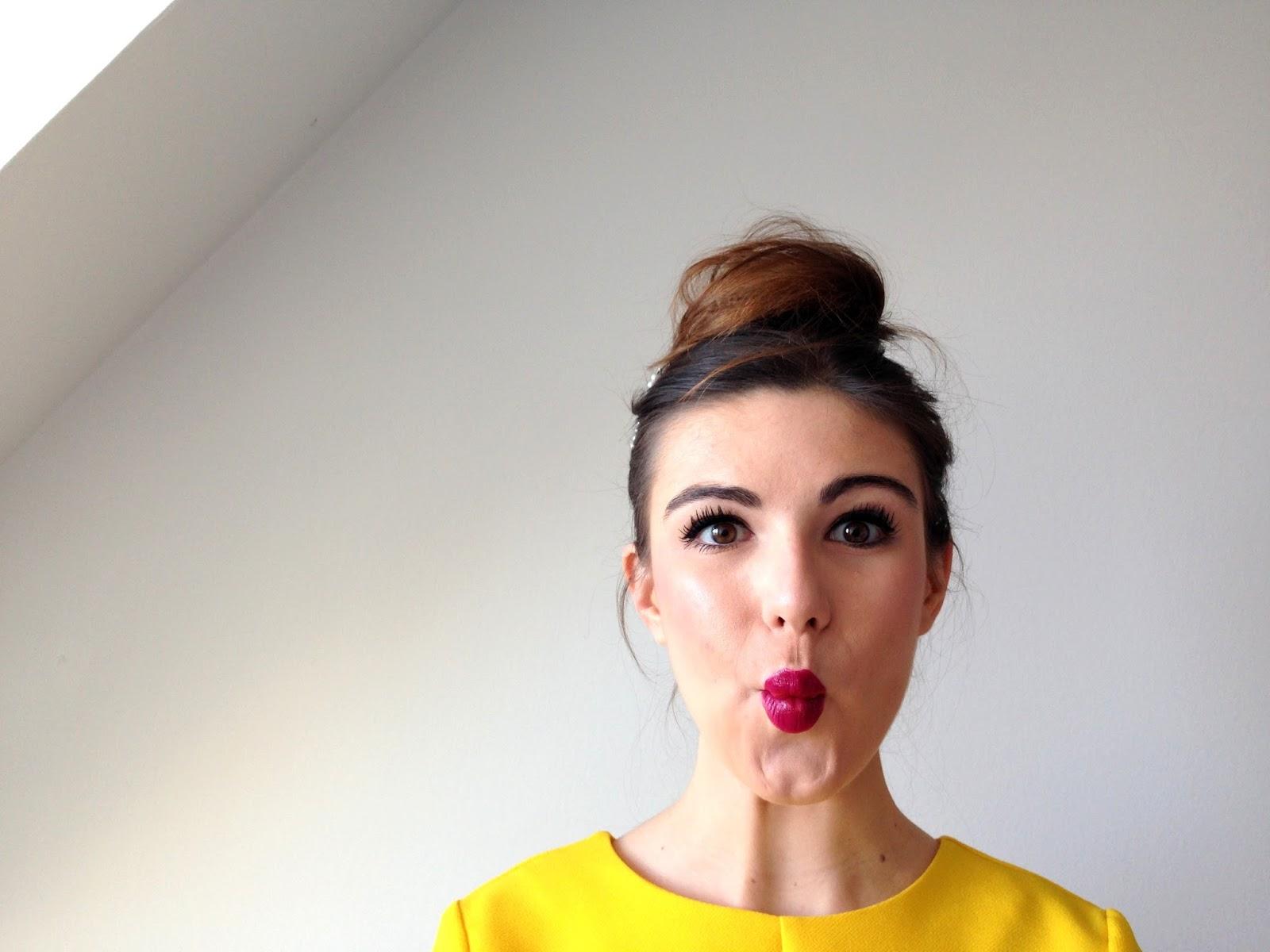 Quel maquillage avec robe jaune