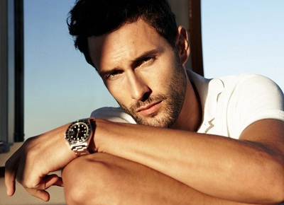 in 2009 noah mills appeared in the naked d g anthology fragrance