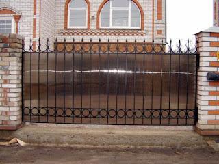 Кованный забор из поликарбоната. Фото 2