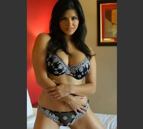 Sunny Leone bra photos