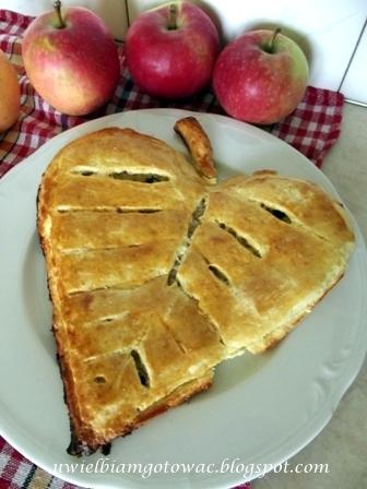 Kruche listki z jabłkami