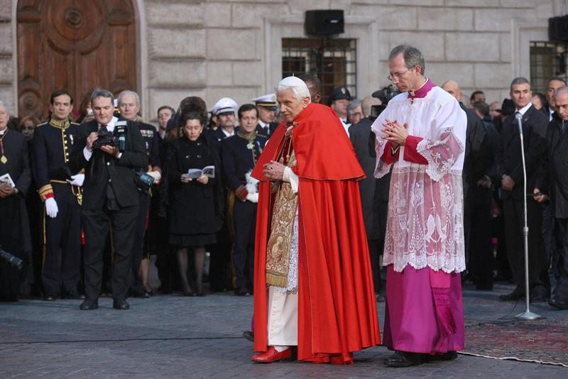Matrimonio Porta Romana : Il degli amici di papa benedetto xvi joseph