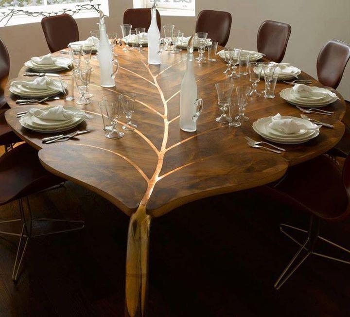 Meja Unik kayu bentuk daun