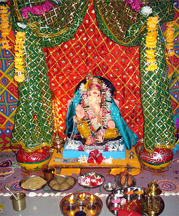 Ganesh chaturthi decoration god wallpapers for Decoration ganpati