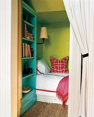 Little house well done color inspiration for Maison domino