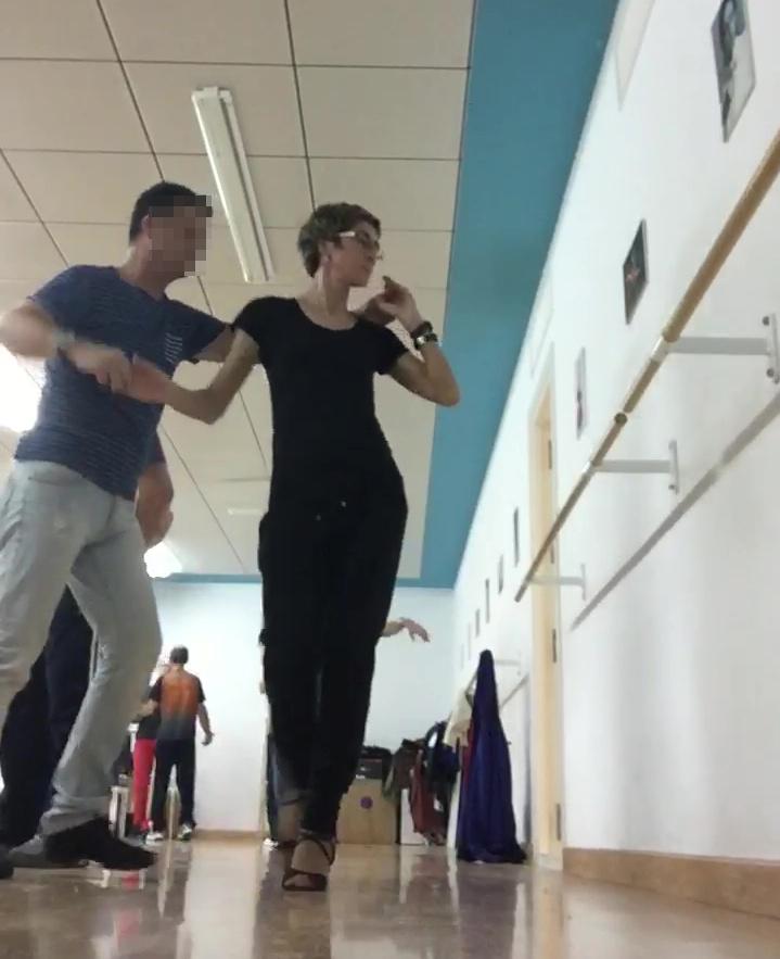 ¡Qué difícil es bailar!