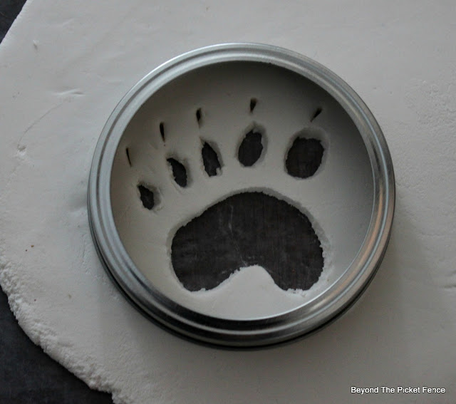 ornament, DIY, animal footprint, clay, Christmas ornament, http://bec4-beyondthepicketfence.blogspot.com/2015/12/12-days-of-christmas-day-9-easy.html