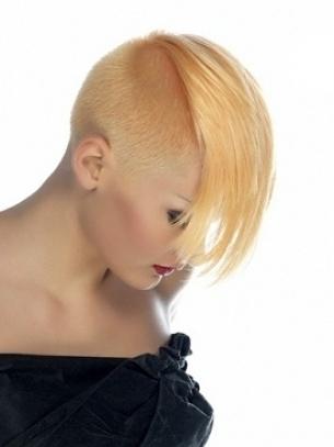 Women's-Short-Mohawk-Hair-Styles-8