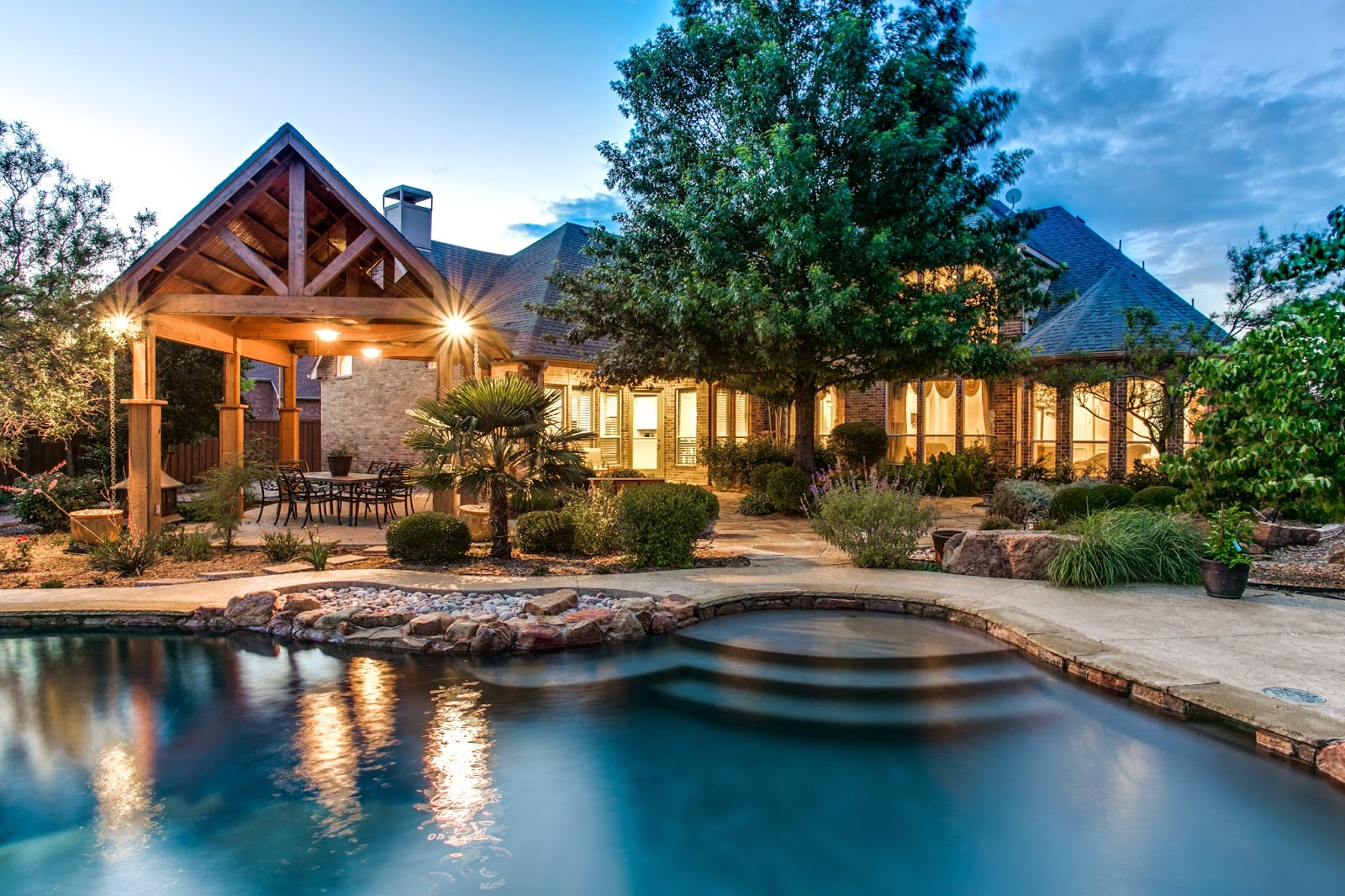 Blog shuey group real estate news just sold plano for Custom dream homes
