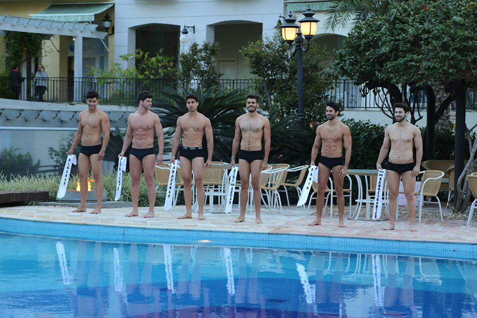 Candidatos a Mister Brasil 2015 desfilam de sunga em prova de moda praia. Foto: Leonardo Rodrigues