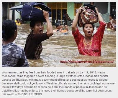 Floods paralyse Jakarta