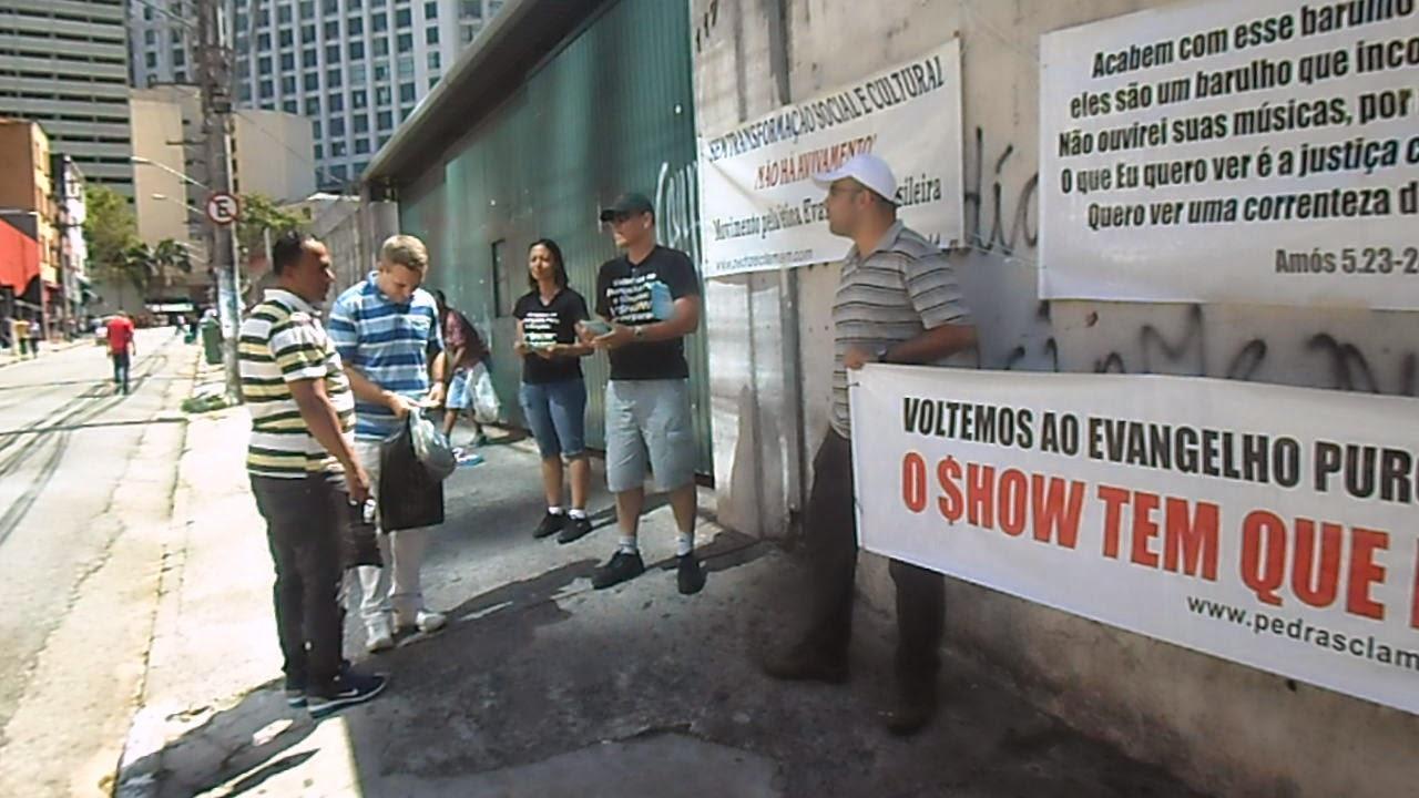 """São Paulo ( """"rua dos crentes"""") 04/14"""