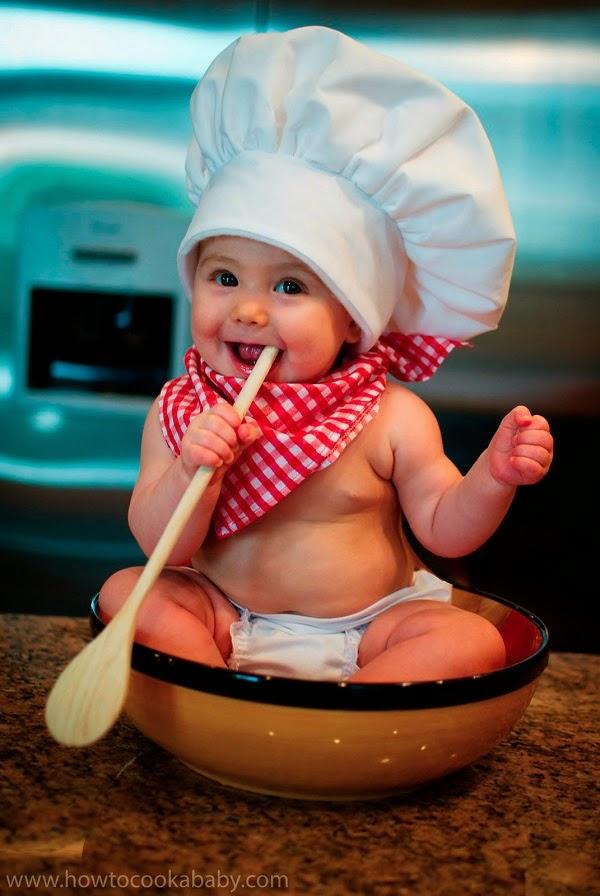 image de bébé cuisinier