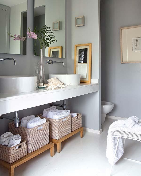 Ideas Organizar Baño:en los baños se guardan una gran cantidad de botes