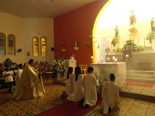 Imágens da sexta noite do novenário em honra ao Sagrado Coração de Jesus