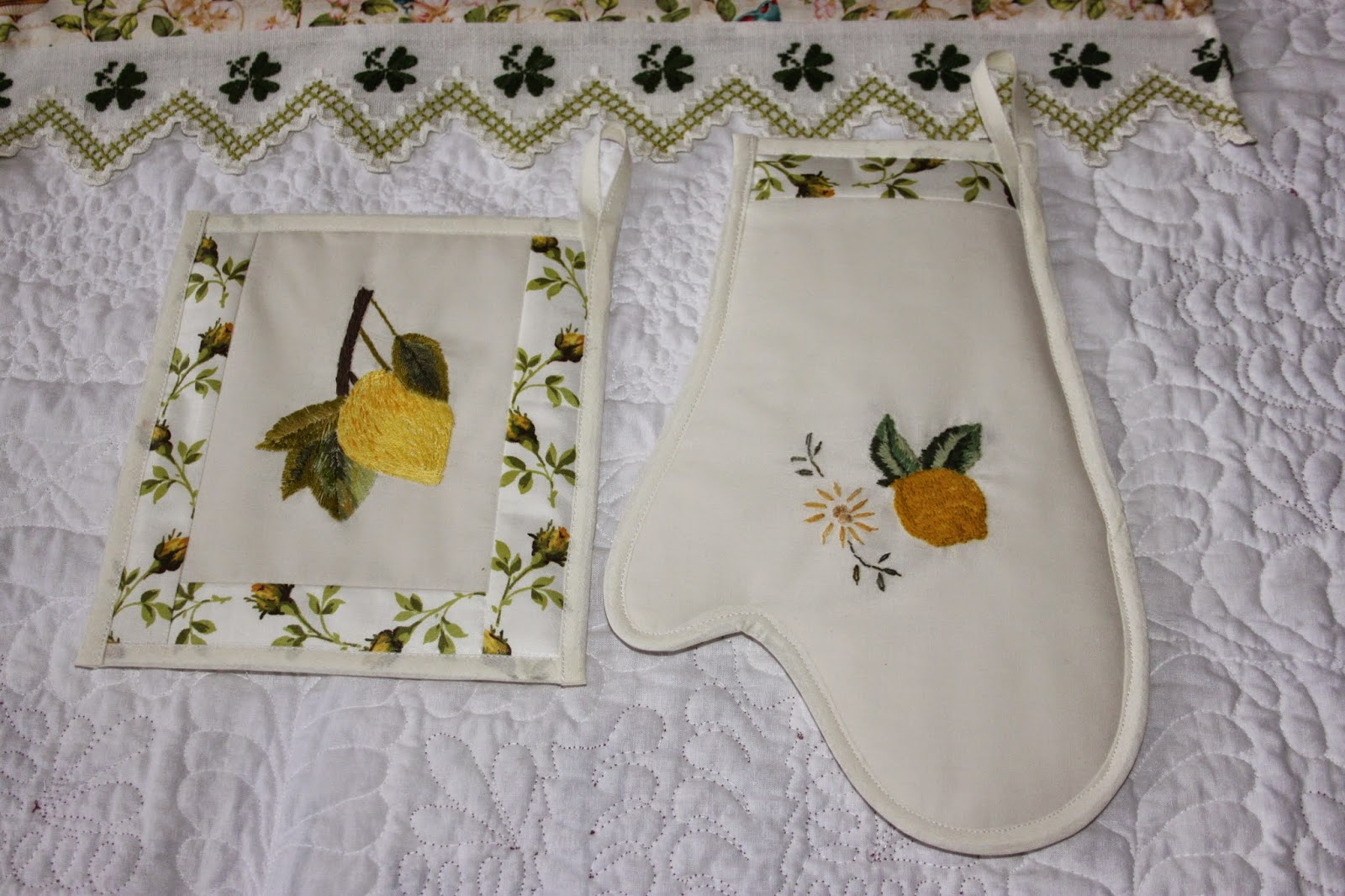 Wiosenne dodatki tekstylne do kuchni.