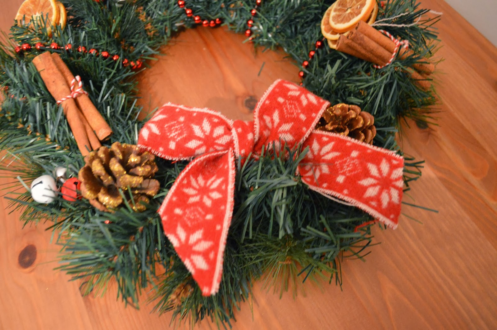 crafts make a christmas wreath for your door to become mum