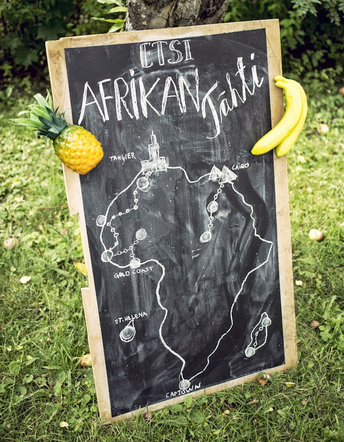 African party photo by Kreetta Järvenpää blog: www.gretchengretchen.com