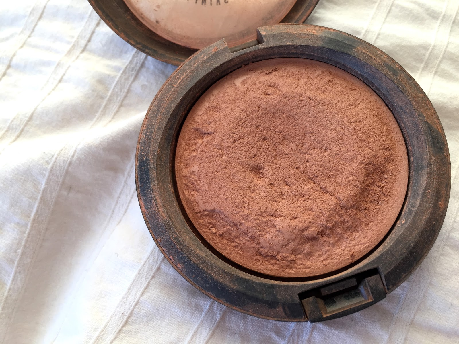 MAC, MAC bronzer review, MAC powder review, bronzing powder MAC,