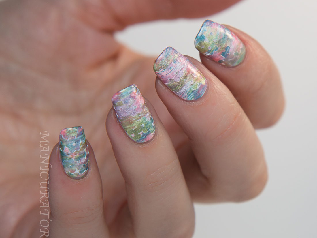 KBShimmer-Spring-holo-fan-brush-flower-nail-art
