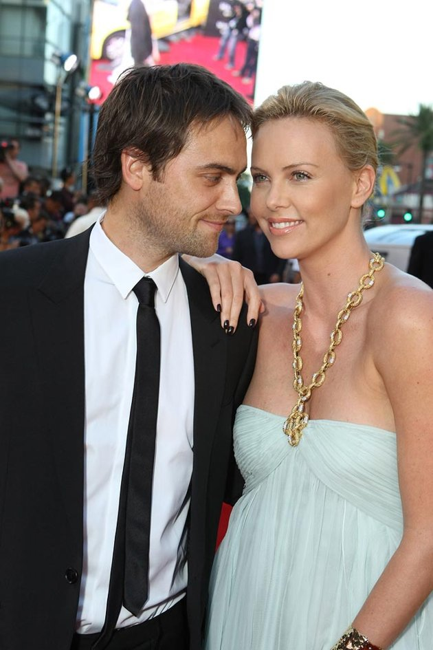 from Luis charlize theron dating history