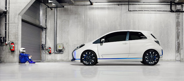 Toyota Yaris Hybrid-R concept pilot