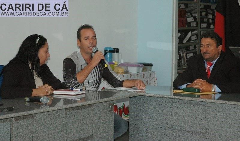 Secretário de finanças participa de reunião ordinária da Câmara de São João do Tigre