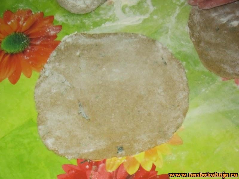 Тыквенные лепешки из ржаной муки с зеленью