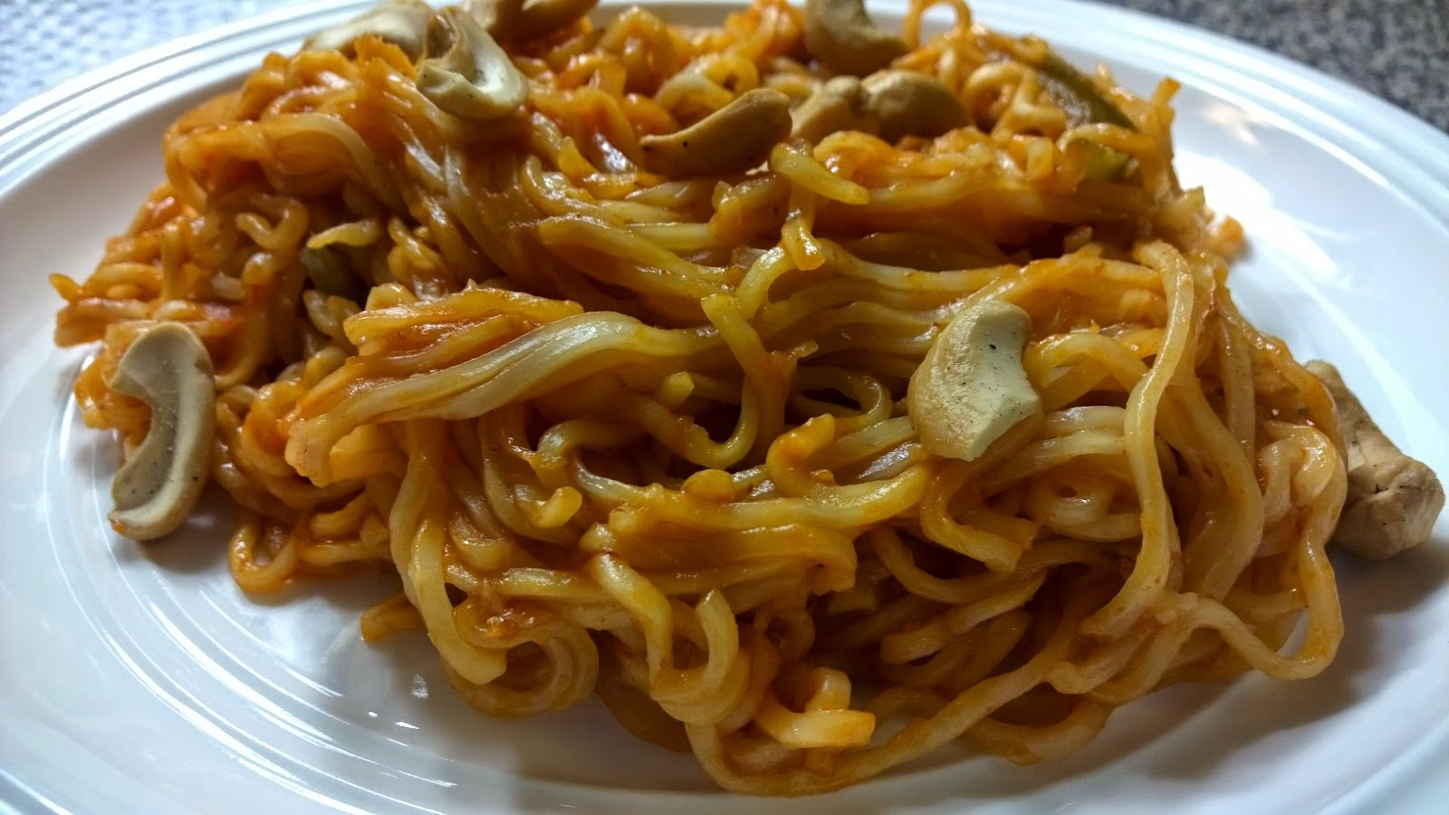 How to make chinese noodles. How to make Schezwan Noodles