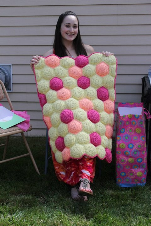 Crocheting A Baby Quilt : Craft Disasters and other Atrocities: Hexa-Puff Baby Quilt
