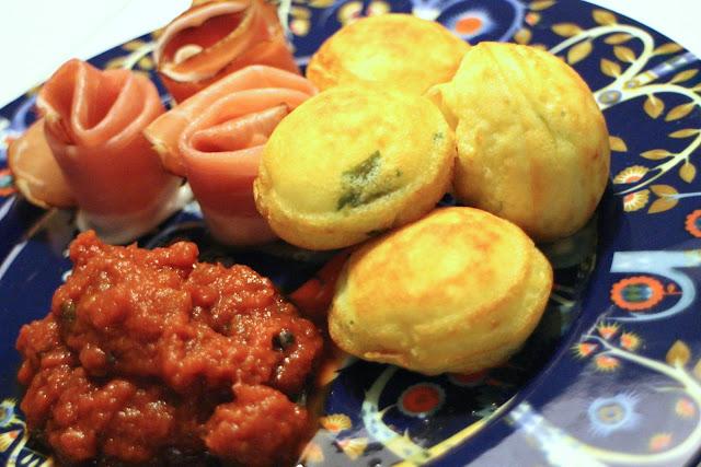 æbleskiver, ost, tomatsauce, aebleskiver, cheese, tomato