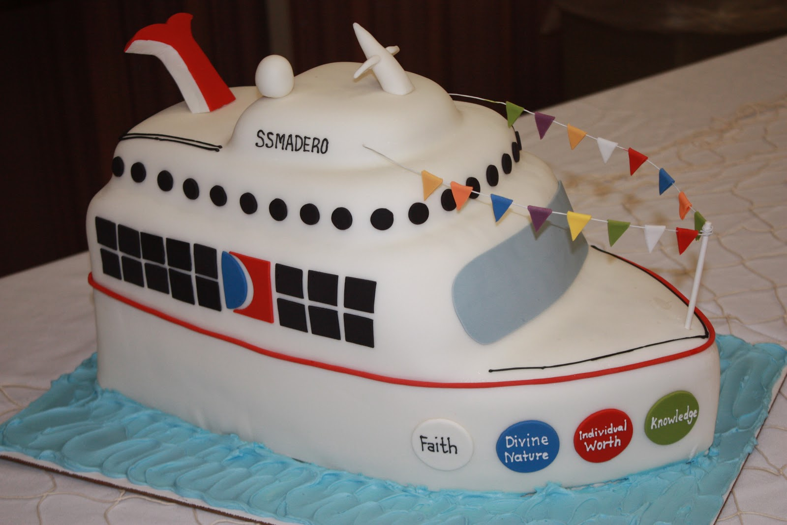 The Good Apple Cruise Ship Cake - Cruise ship cake