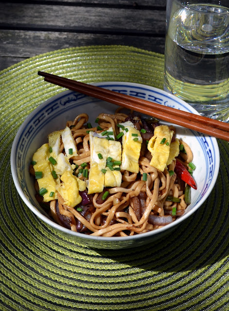 Sweet and Spicy Stir-Fried Noodles